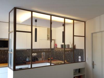 verrière cuisine design avec angle