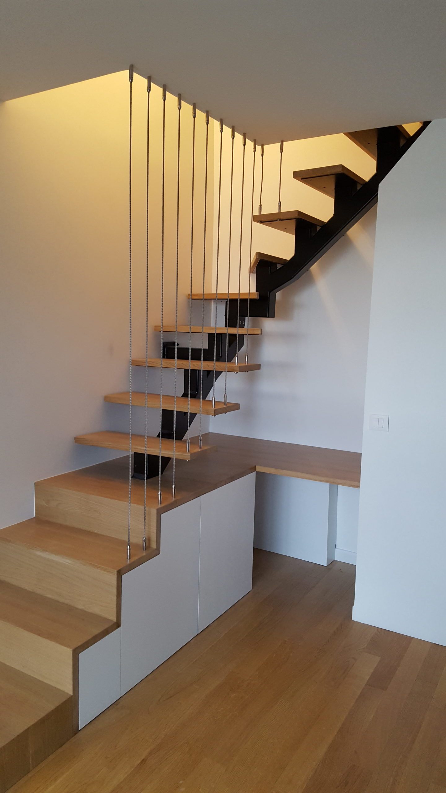 Escalier Bois Metal Noir escalier structure métallique avec marches en bois et garde